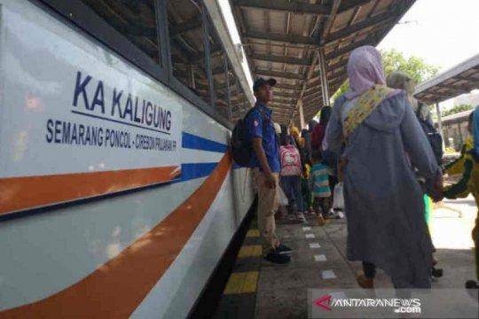 KA Kaligung relasi Cirebon ke Semarang dibatalkan akibat banjir