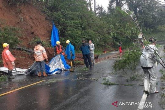 Polres Cianjur berlakukan sistem buka tutup di Jalur Puncak