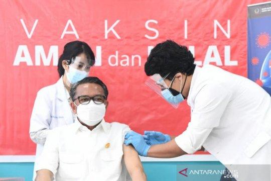 3.409 nakes ikuti vaksinasi massal kedua di Sulsel