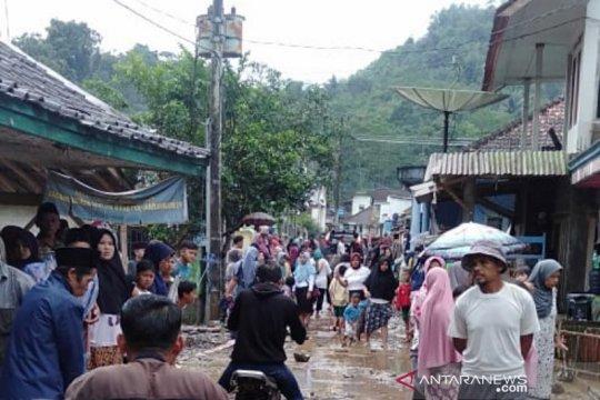 Banjir bandang terjang pemukiman warga di pelosok Garut