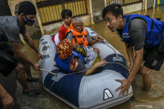 Kemarin, soal vaksin untuk umum dan banjir di Jakarta