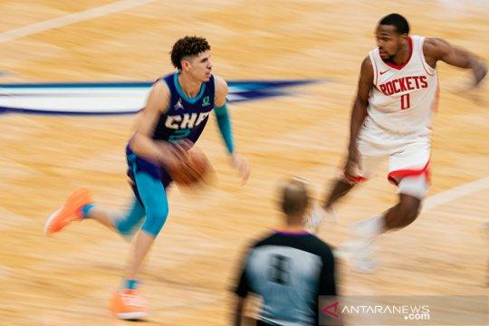 LaMelo Ball pimpin Hornets atasi Rockets