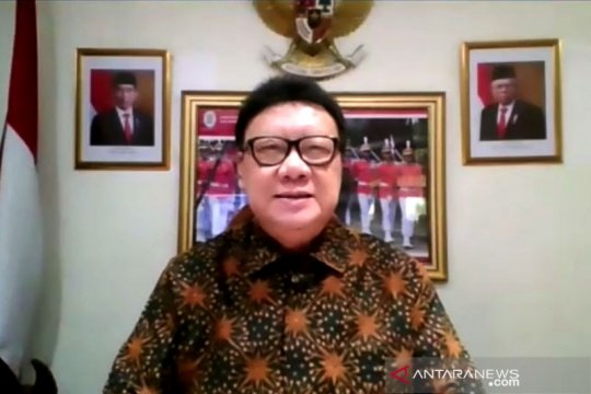 Menteri PAN-RB bikin SE pembatasan pergi ke luar daerah libur Imlek