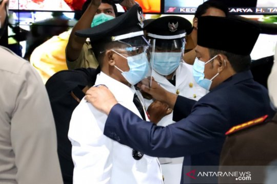 Bupati Bekasi lantik 16 kades terpilih Pilkades Serentak 2020