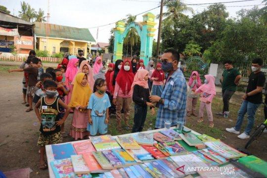 Gerakan 1001 Buku hadirkan perpustakaan mini di Mandalle, Gowa