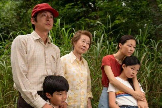 Pulang ke Korea, aktris pemenang Oscar Youn Yuh-jung disambut hangat