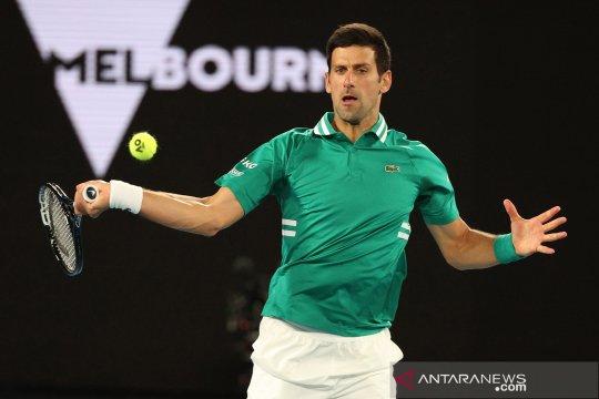 Djokovic atasi cedera otot perut dan maju ke perempat final