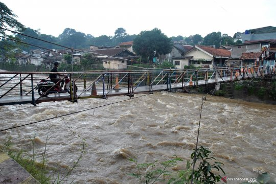 Lapan peringatkan potensi banjir besar karena hujan ekstrem