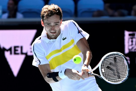 Stamina pulih bantu Medvedev lalui babak pertama Australian Open