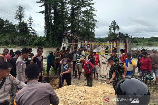 Jalan Trans Papua arah Keerom terputus akibat tergenang air