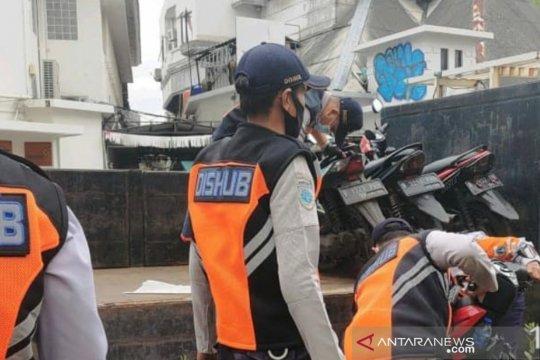 Puluhan motor parkir liar ditertibkan di tiga titik Jakarta Pusat