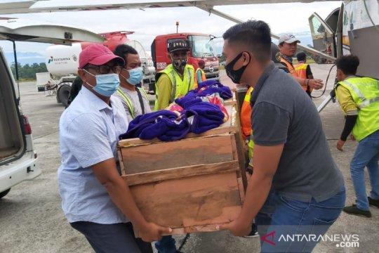 Jenazah tukang ojek yang dibunuh di Ilaga dievakuasi ke Timika