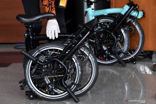 Penyedia barang bansos akui dimintai dua sepeda Brompton