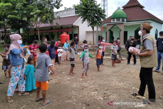 """Anak-anak korban banjir di Kabupaten Kudus ikut """"trauma healing"""""""