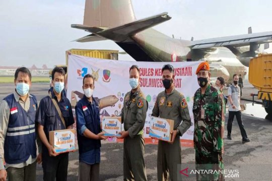 Pesawat Hercules TNI AU kirim bantuan warga Jateng ke Mamuju