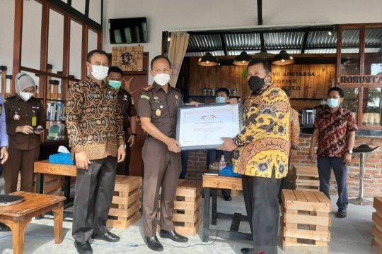 Kejari Mukomuko Bengkulu selamatkan uang negara Rp3,3 miliar