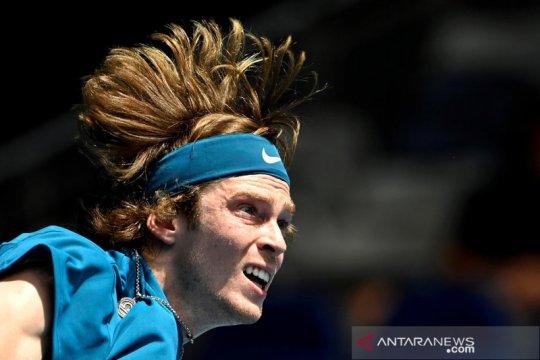Rublev tundukkan Murray menuju perempat final Rotterdam