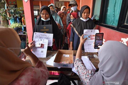Penyaluran BST Keluarga terdampak pandemi di Banten