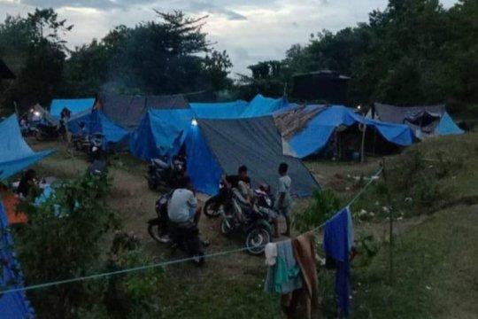 Pengungsi akibat gempa di Mamuju kesulitan dapatkan tenda