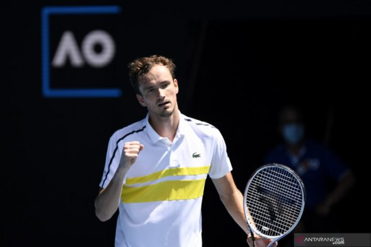 Australian Open: Medvedev melaju ke babak keempat
