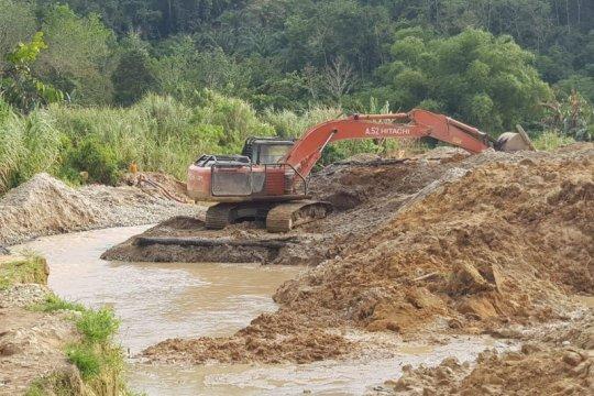 Polda Kalbar sita dua alat berat di lokasi tambang emas ilegal