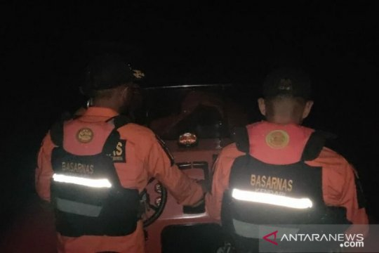 Tim SAR cari nelayan hilang dihantam ombak di Wakatobi