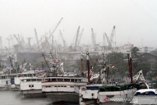 Rabu, cuaca cerah berawan di pelabuhan Jakarta