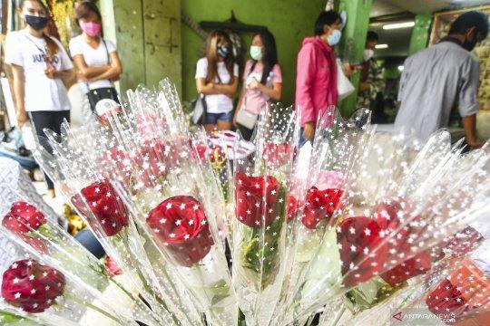 Penjualan bunga di Pasar Rawa Belong menurun
