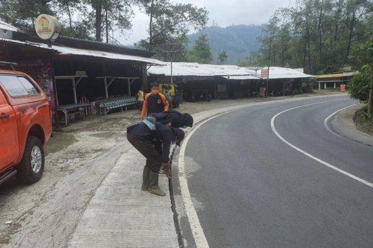 Kelurahan Songgokerto Kota Batu alami retakan tanah
