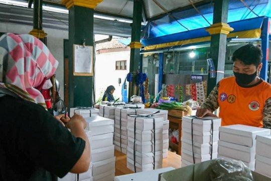 Pemenuhan logistik warga Yogyakarta isolasi melalui Gandeng Gendong