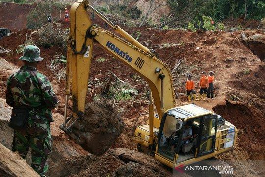 Dua warga Ngetos-Nganjuk korban longsor ditemukan meninggal