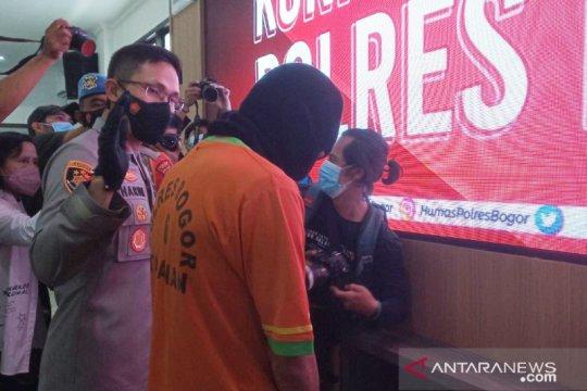 Polisi tangkap staf desa di Bogor yang tilap dana bansos pandemi
