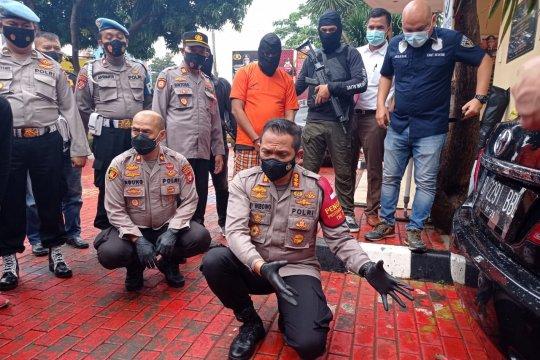 Polisi ungkap cara pengedar selundupkan sabu ke dalam tangki mobil