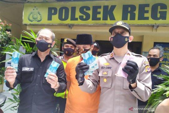 Polisi bekuk pria gunakan uang palsu untuk prostitusi di Bandung