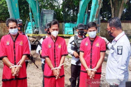 Polisi tangkap tiga penambang emas ilegal bersenjata api di Kapuas