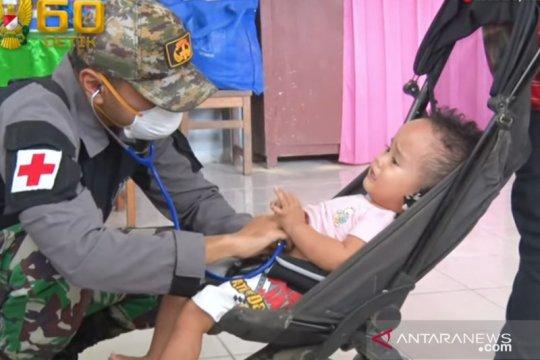 TNI AD bantu pengobatan korban pascabencana banjir di Manado