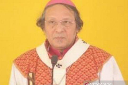 Uskup Kupang ajak umat hargai lingkungan hidup dengan patuhi prokes
