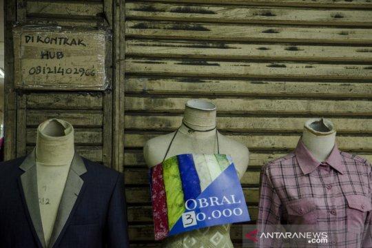Pedagang Pasar Baru Bandung terdampak pandemi COVID-19
