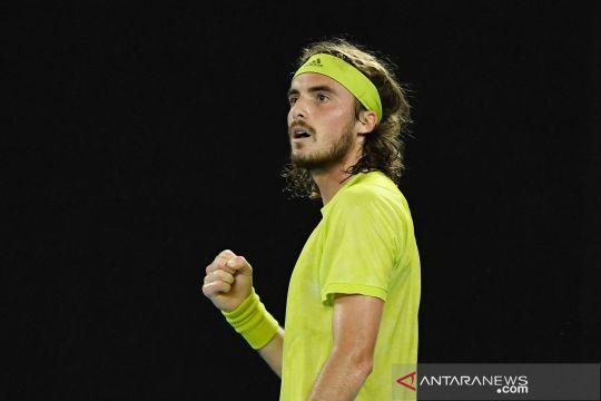 Australia Open: Tsitsipas kalahkan Nadal untuk melangkah ke semi final