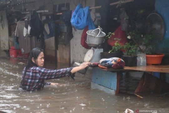 Kemarin, kontraksi ekonomi Jakarta hingga siaga hadapi banjir