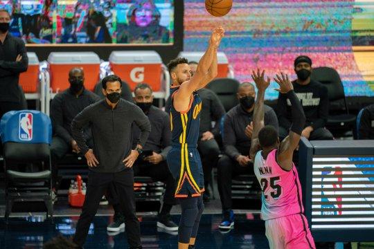 Curry bawa Warriors taklukkan Heat lewat overtime