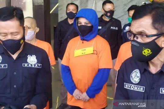 Polisi tangkap mantan istri personel The Titans karena kasus narkoba