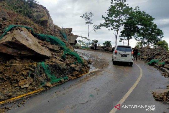 Jalur Bandung-Cianjur dapat dilalui, pengendara diminta hati-hati