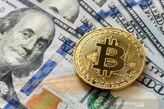 Dolar AS naik terkerek imbal hasil lebih tinggi, uang berisiko melemah