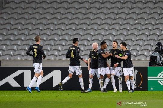 Ajax bawa bekal keunggulan 2-1 setelah pecundangi Lille
