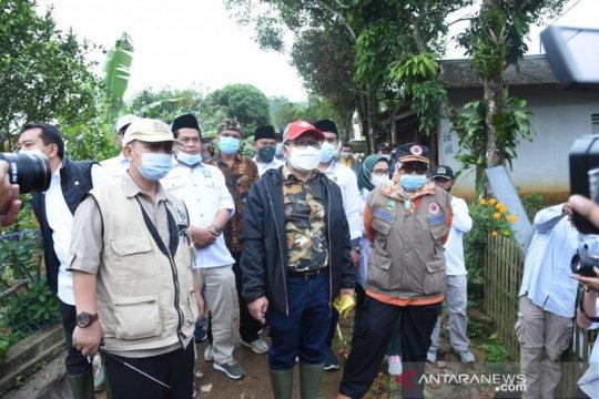 Timwas penanganan bencana DPR kunjungi lokasi bencana di Sukabumi