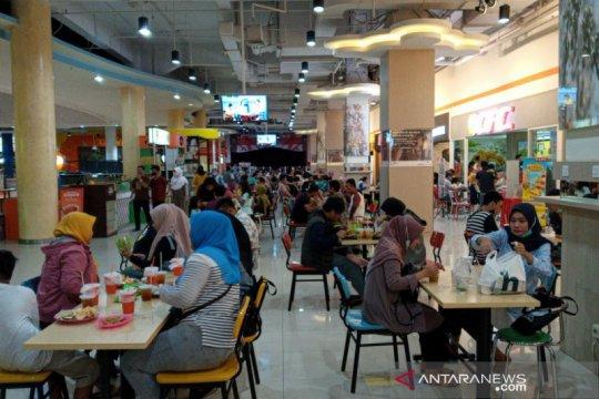 Aturan usia pengunjung dilonggarkan, kunjungan mal di Surakarta naik