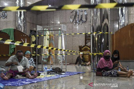 Korban banjir Cipinang Melayu mengungsi ke masjid Universitas Borobudur