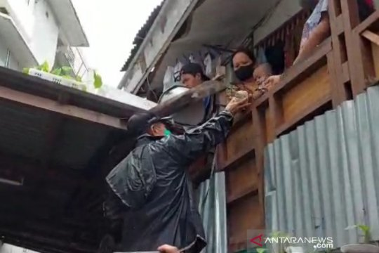 Ini dua lokasi pengungsian untuk korban banjir Benhil Jakarta Pusat