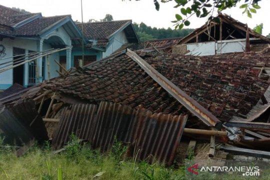 Pergerakan tanah di Sukabumi semakin masif